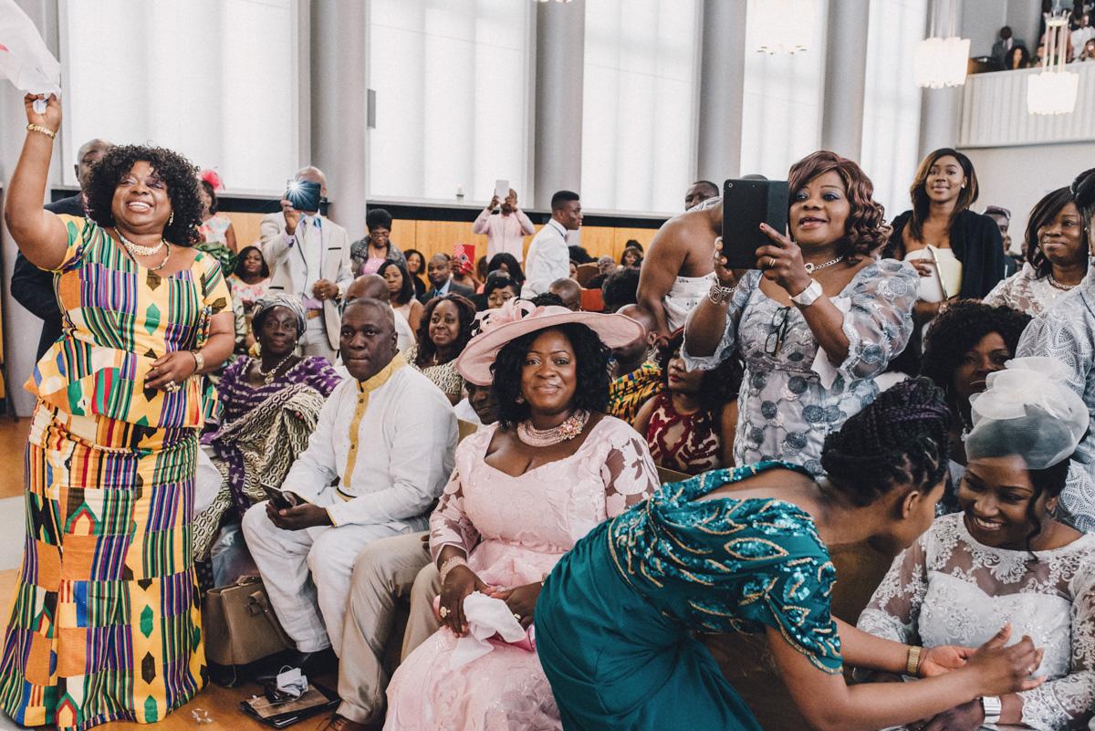 afrikanische-hochzeit-hamburg-60 Melissa & Michael afrikanische Hochzeit. Foto und Film in Hamburgafrikanische hochzeit hamburg 60