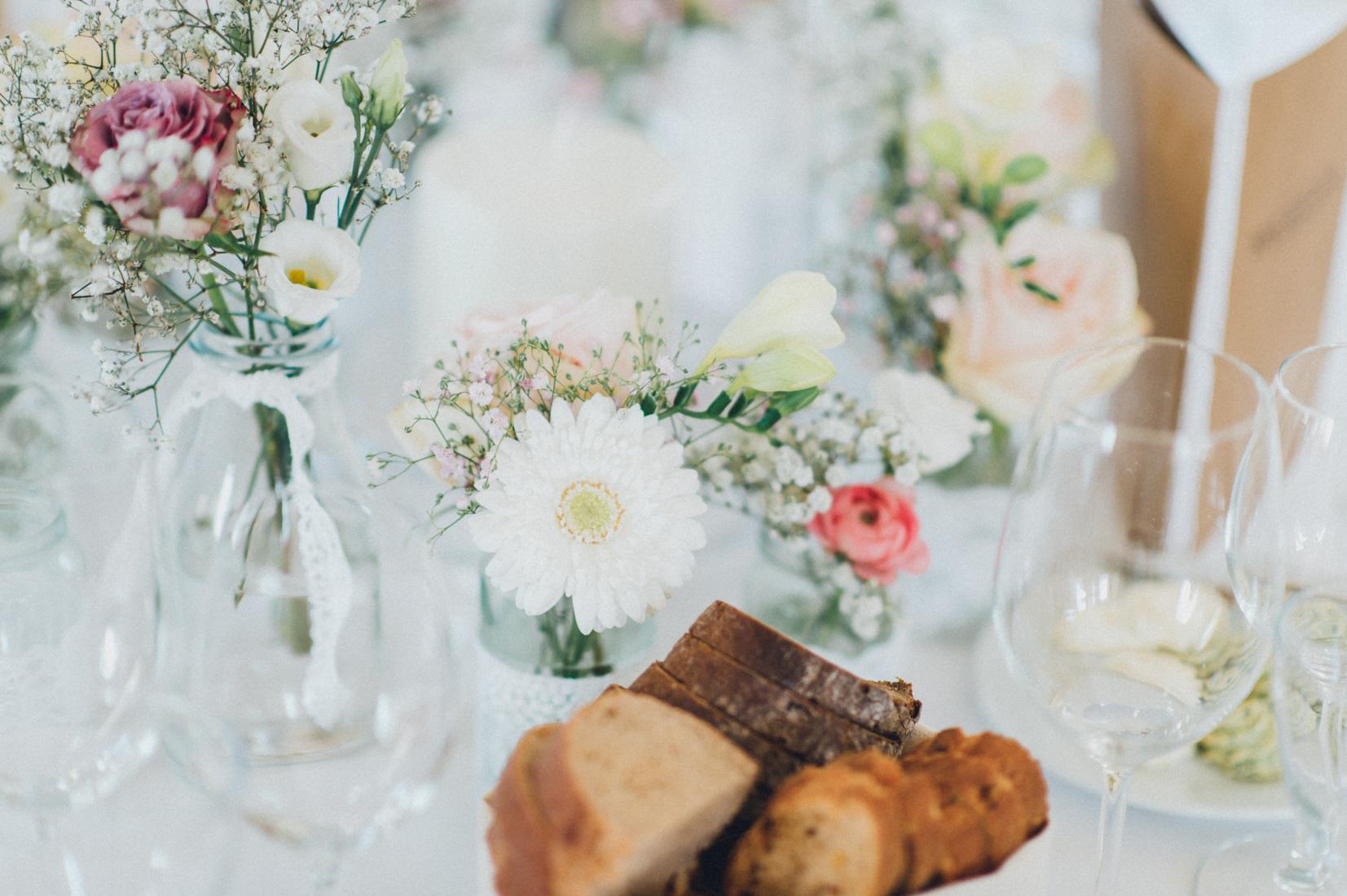 pastel-vintage-hertefeld-154 hochzeitsfotograf schloss hertefeldGalina & Robert DIY Pastel Vintage Hochzeit auf Schloss Hertefeldpastel vintage hertefeld 154