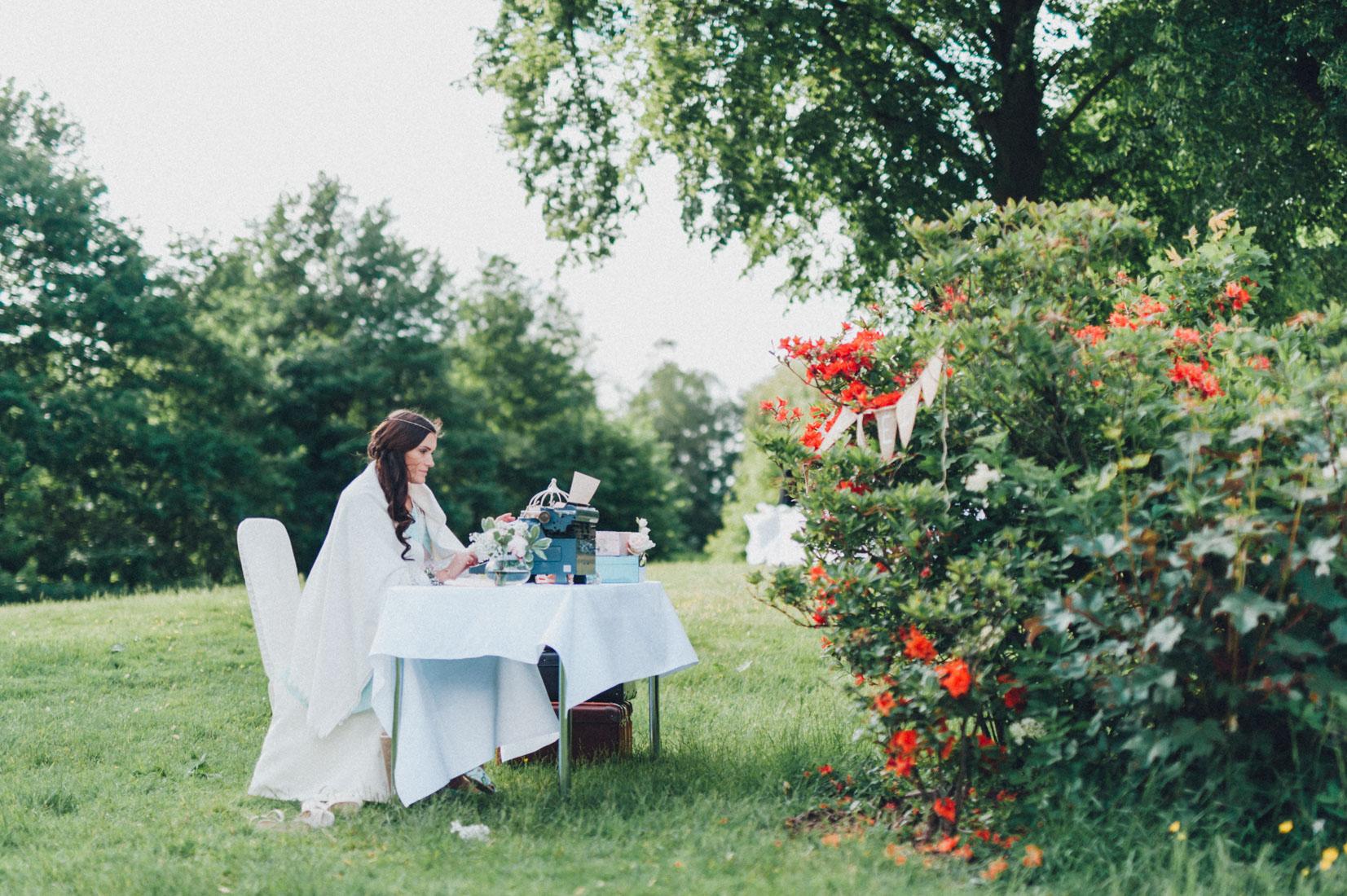 pastel-vintage-hertefeld-158 hochzeitsfotograf schloss hertefeldGalina & Robert DIY Pastel Vintage Hochzeit auf Schloss Hertefeldpastel vintage hertefeld 158