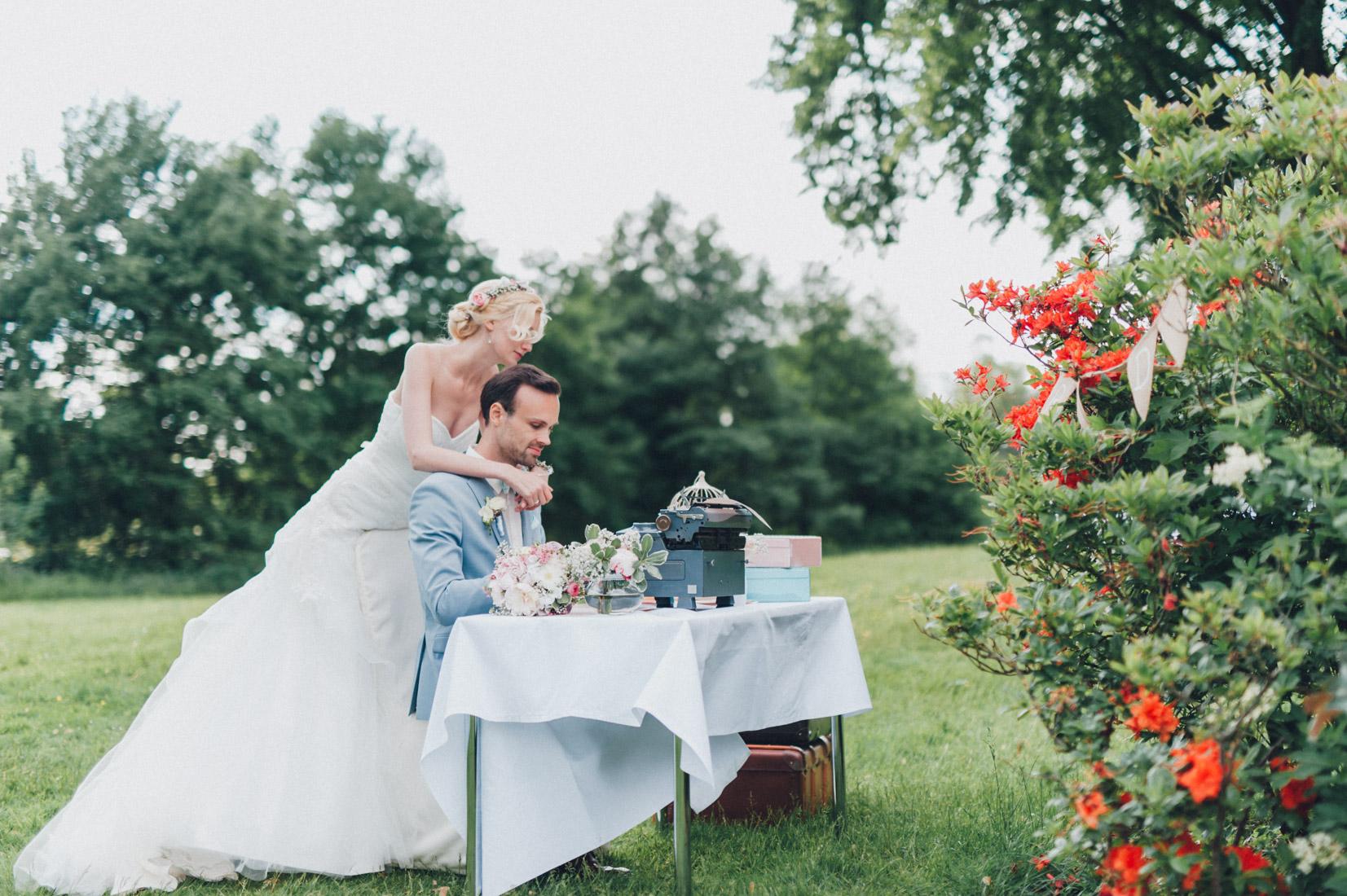 pastel-vintage-hertefeld-167 hochzeitsfotograf schloss hertefeldGalina & Robert DIY Pastel Vintage Hochzeit auf Schloss Hertefeldpastel vintage hertefeld 167