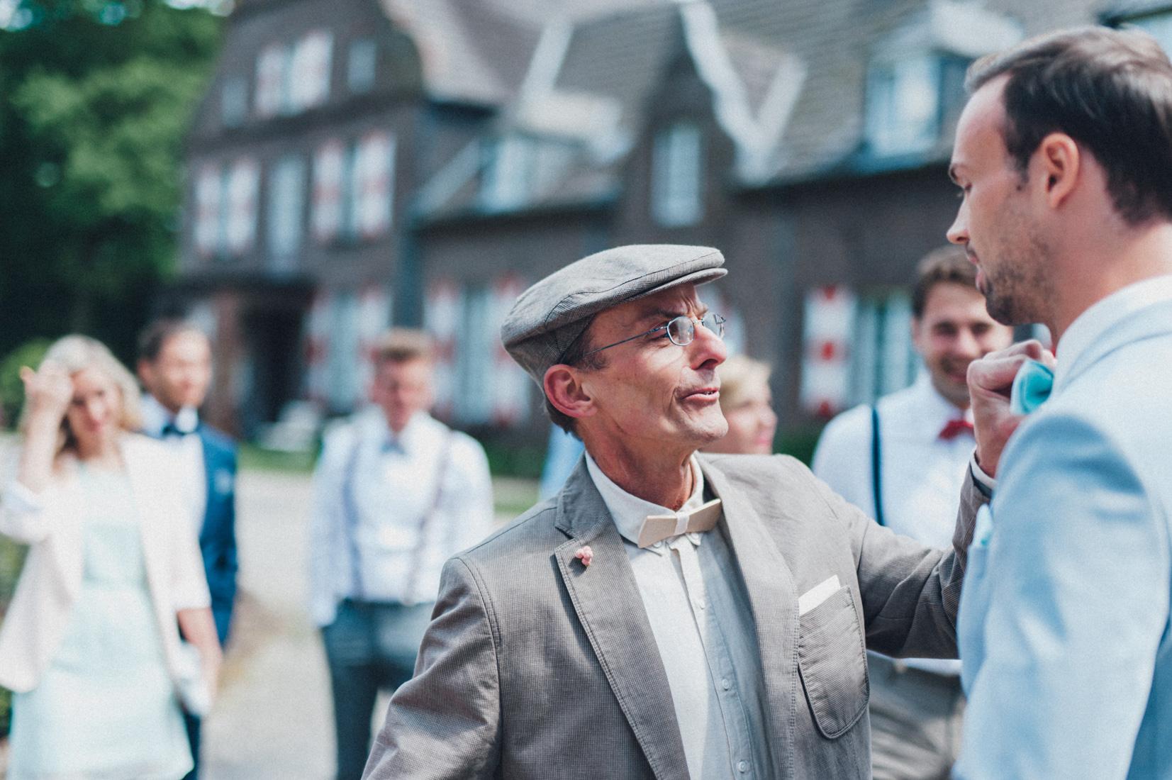 pastel-vintage-hertefeld-53 hochzeitsfotograf schloss hertefeldGalina & Robert DIY Pastel Vintage Hochzeit auf Schloss Hertefeldpastel vintage hertefeld 53