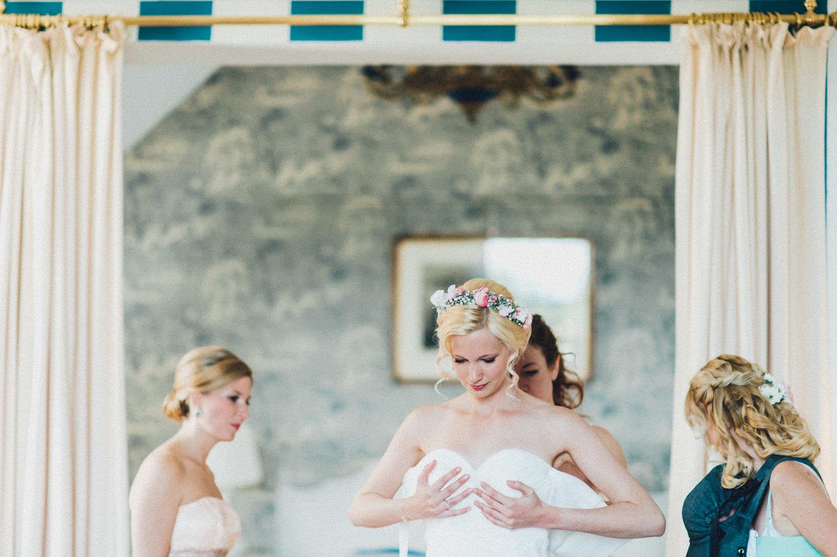 pastel-vintage-hertefeld-54 hochzeitsfotograf schloss hertefeldGalina & Robert DIY Pastel Vintage Hochzeit auf Schloss Hertefeldpastel vintage hertefeld 54