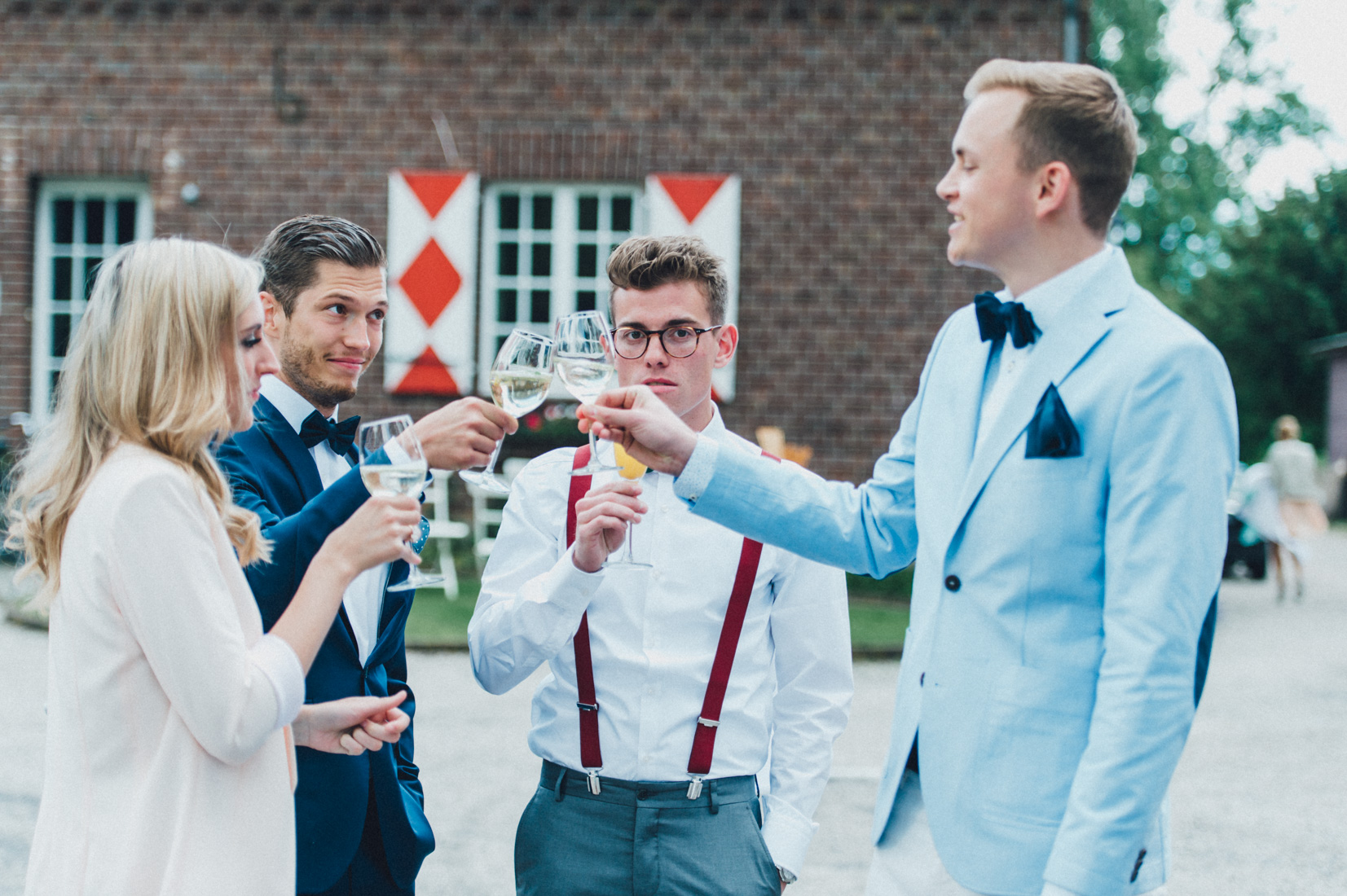 pastel-vintage-hertefeld-74 hochzeitsfotograf schloss hertefeldGalina & Robert DIY Pastel Vintage Hochzeit auf Schloss Hertefeldpastel vintage hertefeld 74