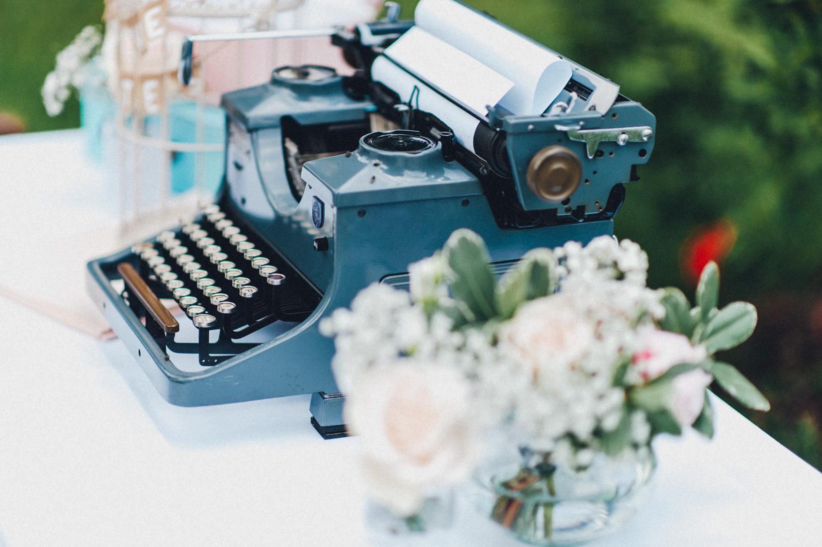 pastel-vintage-hertefeld-85 hochzeitsfotograf schloss hertefeldGalina & Robert DIY Pastel Vintage Hochzeit auf Schloss Hertefeldpastel vintage hertefeld 85