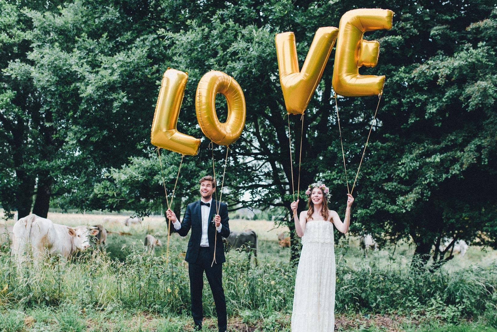 DIY-Hochzeit-gold-VW-Bully-110 Janet & Pierre DIY Midsummer-Wedding in Gold mit VW BulliDIY Hochzeit gold VW Bully 110