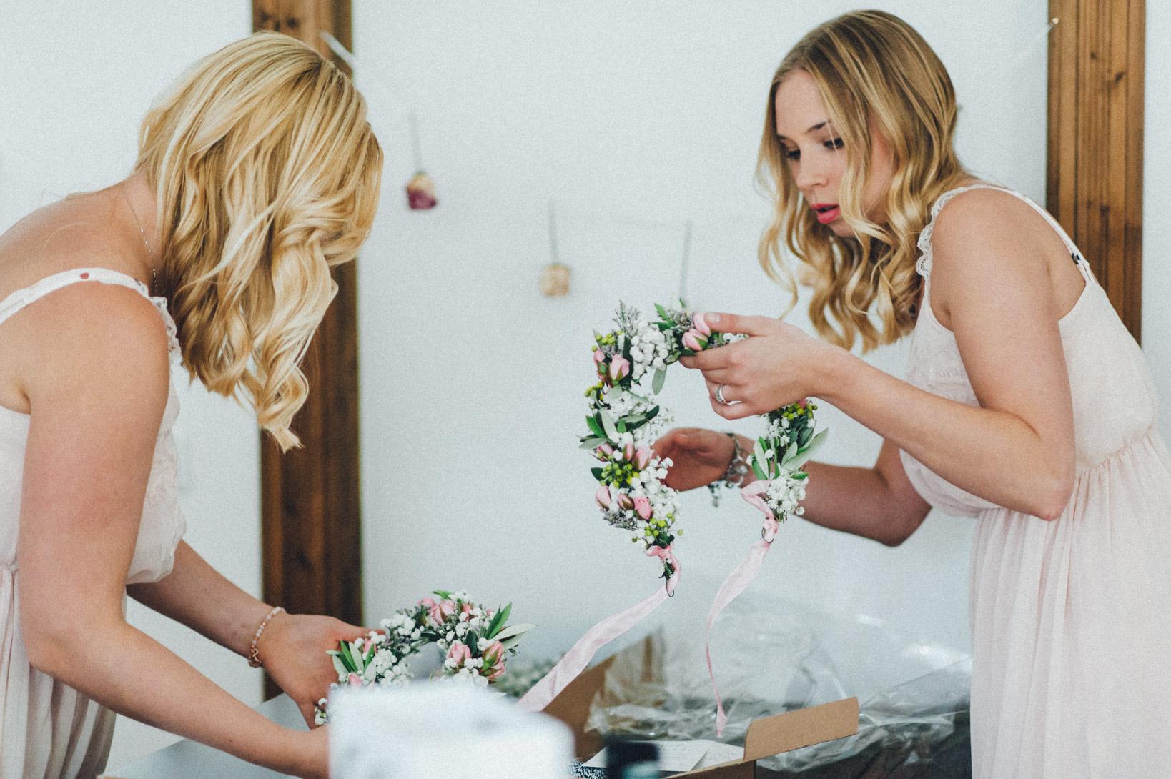 DIY-Hochzeit-gold-VW-Bully-15 Janet & Pierre DIY Midsummer-Wedding in Gold mit VW BulliDIY Hochzeit gold VW Bully 15