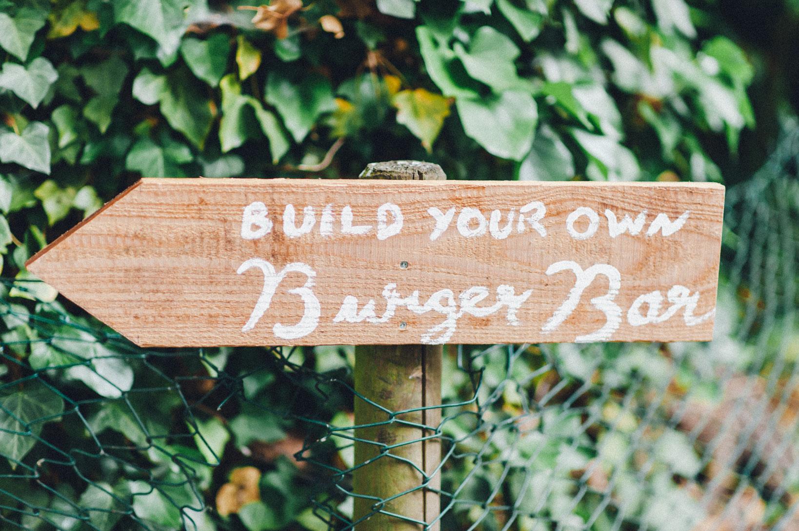 DIY-Hochzeit-gold-VW-Bully-35 Janet & Pierre DIY Midsummer-Wedding in Gold mit VW BulliDIY Hochzeit gold VW Bully 35