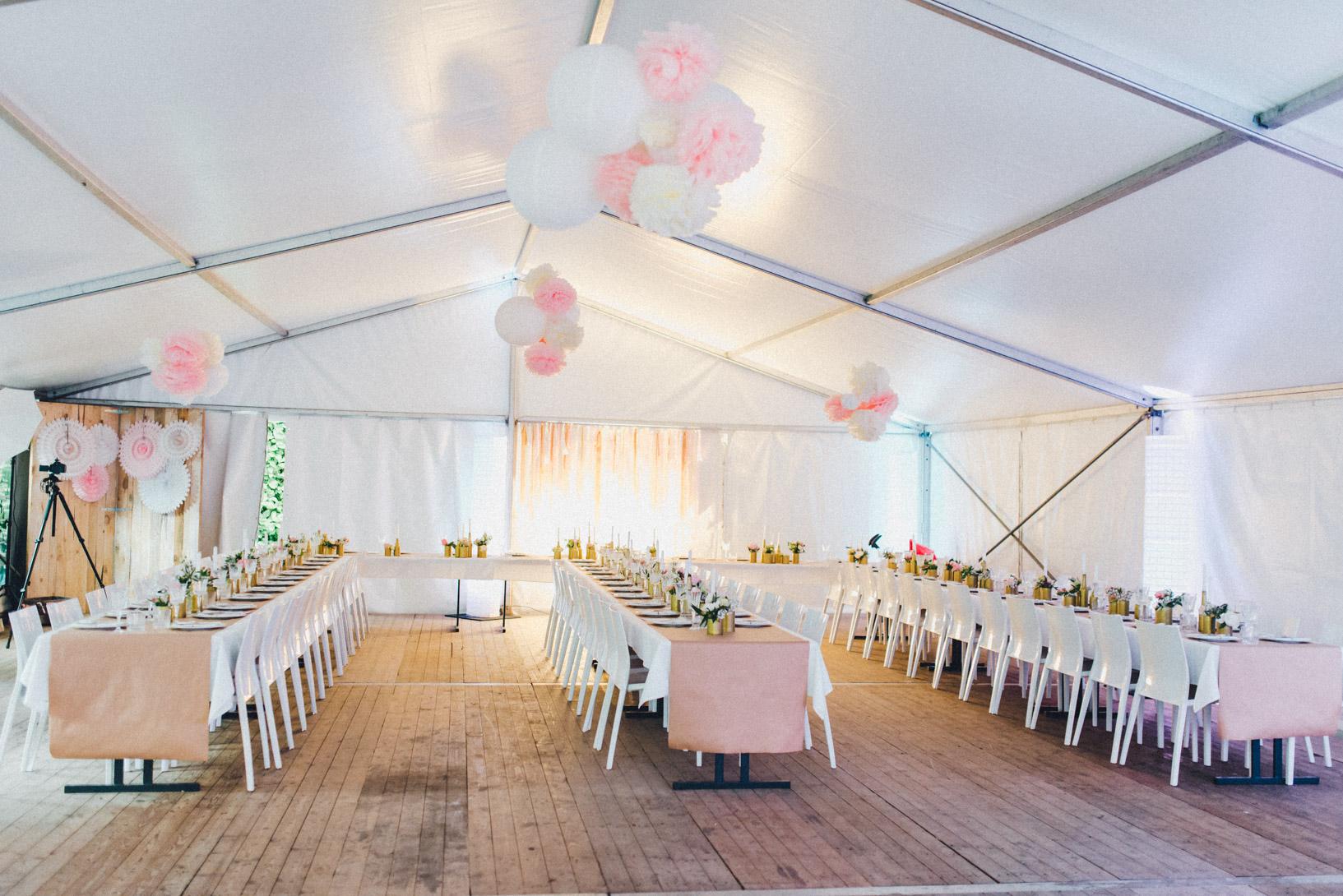 DIY-Hochzeit-gold-VW-Bully-39 Janet & Pierre DIY Midsummer-Wedding in Gold mit VW BulliDIY Hochzeit gold VW Bully 39
