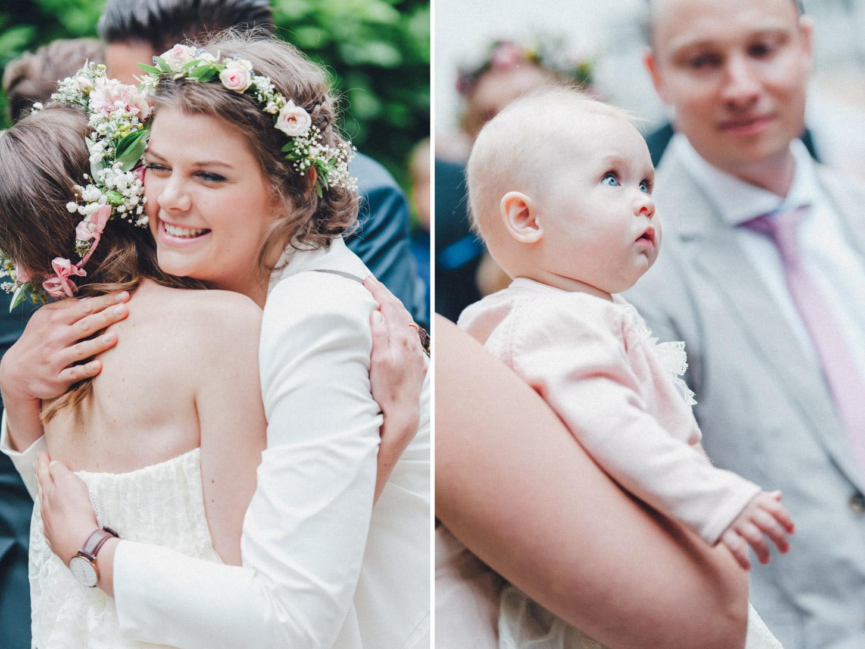 DIY-Hochzeit-gold-VW-Bully-69 Janet & Pierre DIY Midsummer-Wedding in Gold mit VW BulliDIY Hochzeit gold VW Bully 69