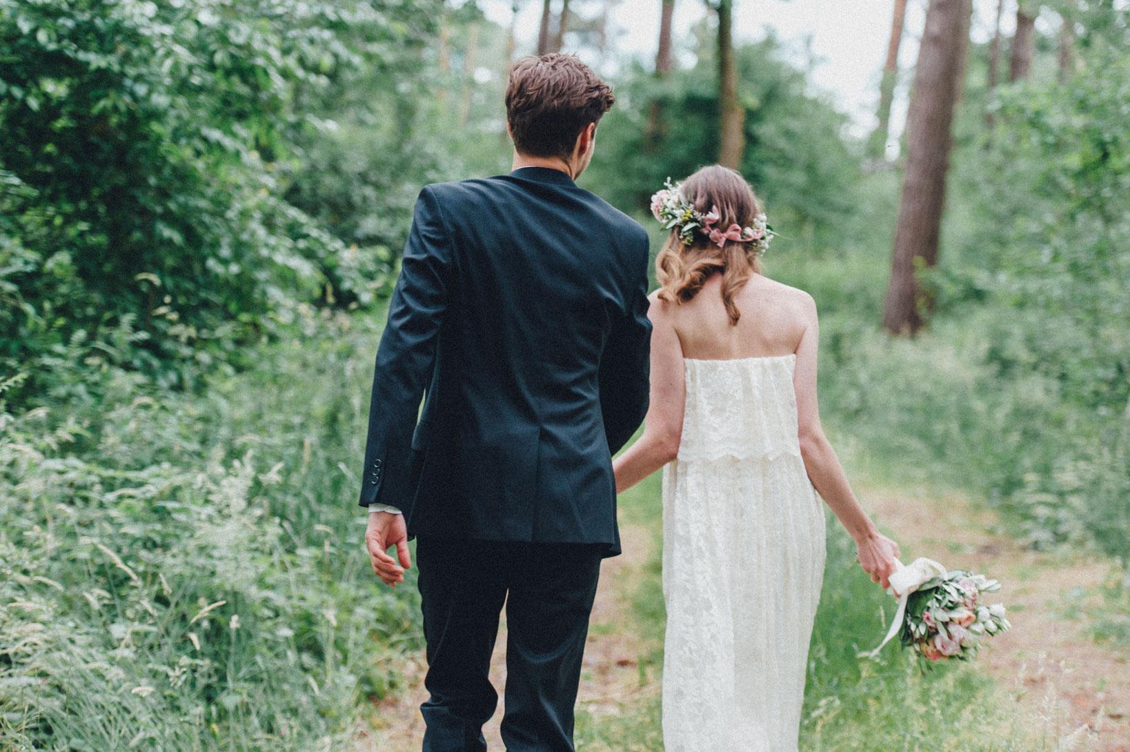 DIY-Hochzeit-gold-VW-Bully-79 Janet & Pierre DIY Midsummer-Wedding in Gold mit VW BulliDIY Hochzeit gold VW Bully 79