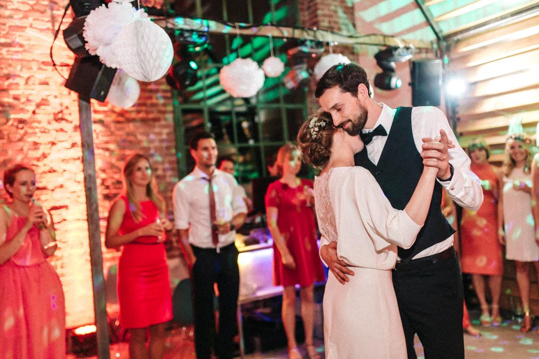diy-hochzeitsfotos-werkstatt-stomberg-vintage-121 Feli & Bene Hochzeit in der Werkstatt Stromberg Waltropdiy hochzeitsfotos werkstatt stomberg vintage 121