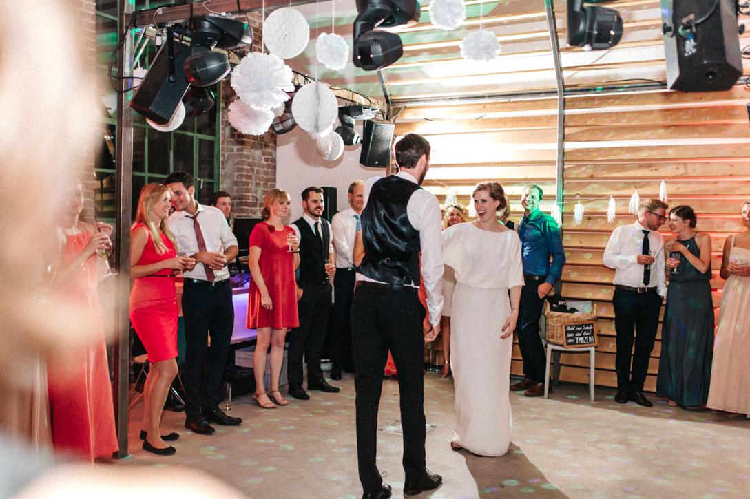 diy-hochzeitsfotos-werkstatt-stomberg-vintage-122 Feli & Bene Hochzeit in der Werkstatt Stromberg Waltropdiy hochzeitsfotos werkstatt stomberg vintage 122