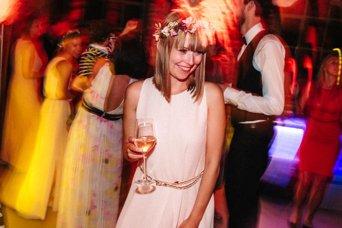 diy-hochzeitsfotos-werkstatt-stomberg-vintage-123 Feli & Bene Hochzeit in der Werkstatt Stromberg Waltropdiy hochzeitsfotos werkstatt stomberg vintage 123