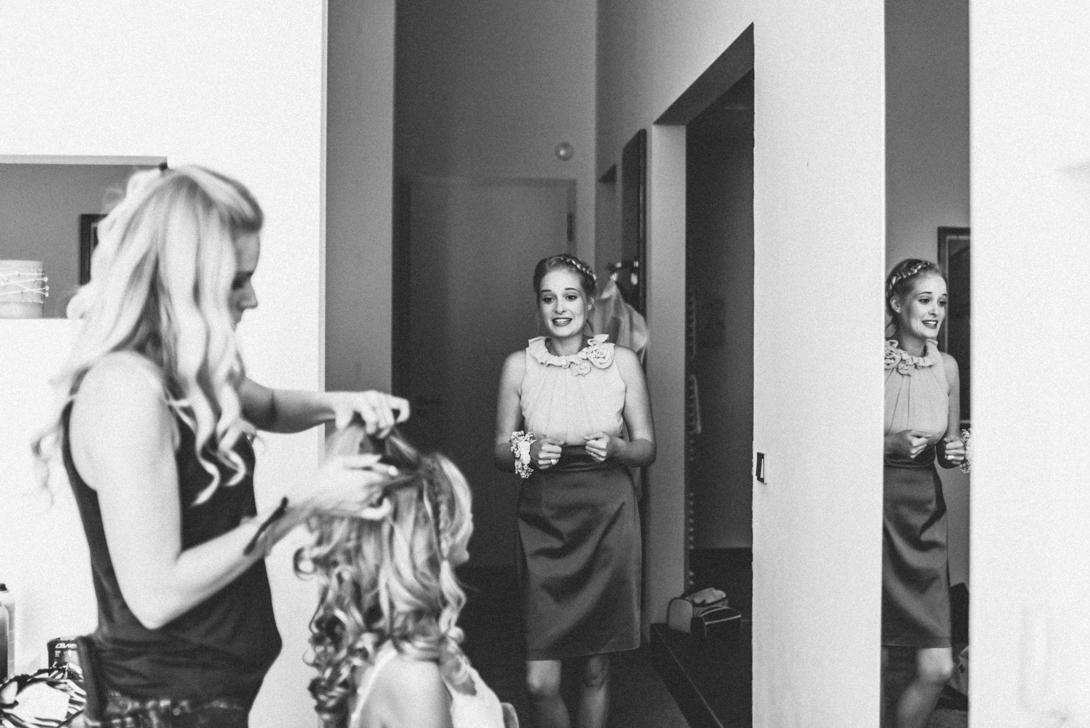 hochzeitsfotos-hausgrunewald-vintage-21 Christina & Sebastian Hochzeitsfotograf Schloss Grünewald SolingenChristina & Sebastian Schloss Grünewald Solingenhochzeitsfotos hausgrunewald vintage 21