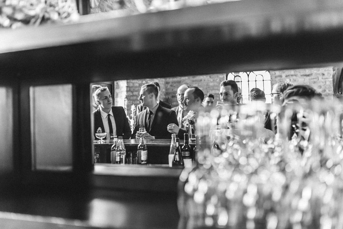 hochzeitsfotos-hausgrunewald-vintage-74 Christina & Sebastian Hochzeitsfotograf Schloss Grünewald SolingenChristina & Sebastian Schloss Grünewald Solingenhochzeitsfotos hausgrunewald vintage 74