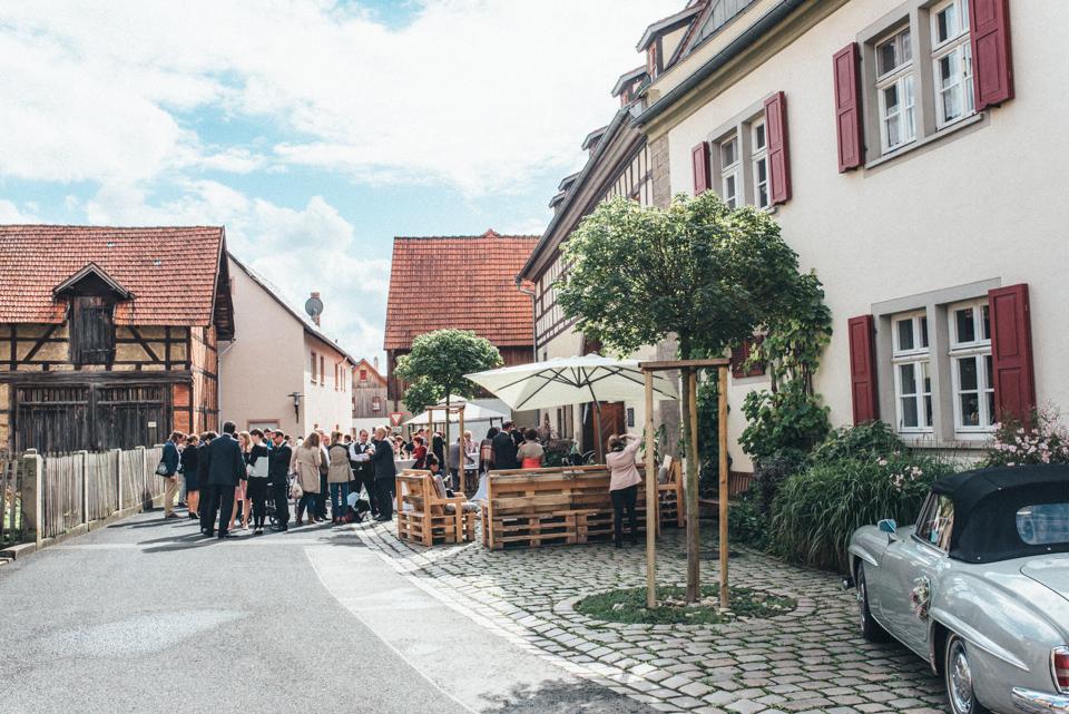 diy-wedding-bayern-101 Isabell & Tomaj Vintage DIY Hochzeit in Bayerndiy wedding bayern 101