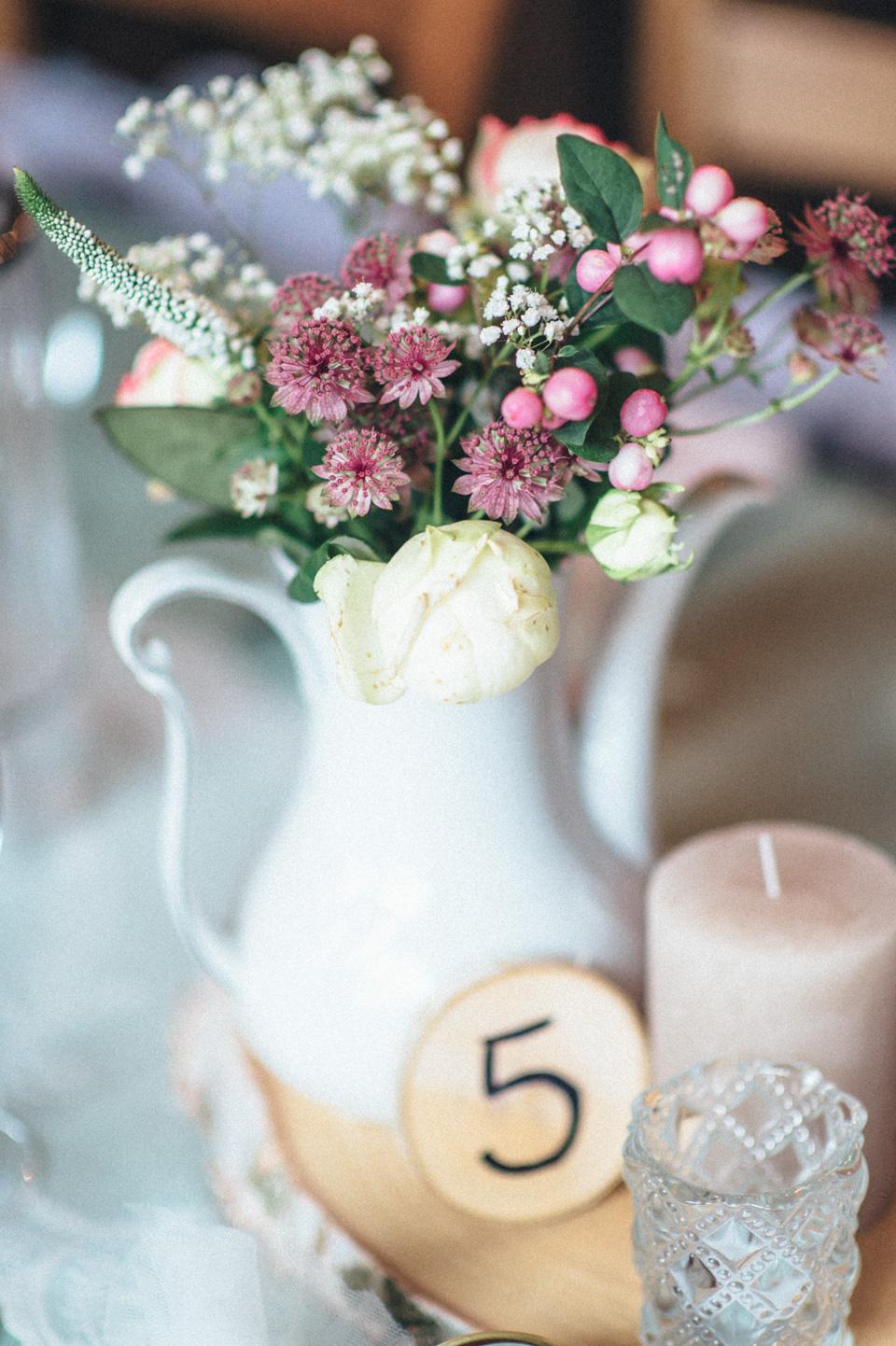 diy-wedding-bayern-115 Isabell & Tomaj Vintage DIY Hochzeit in Bayerndiy wedding bayern 115