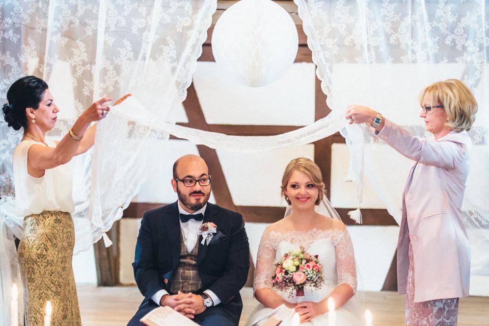 diy-wedding-bayern-133 Isabell & Tomaj Vintage DIY Hochzeit in Bayerndiy wedding bayern 133
