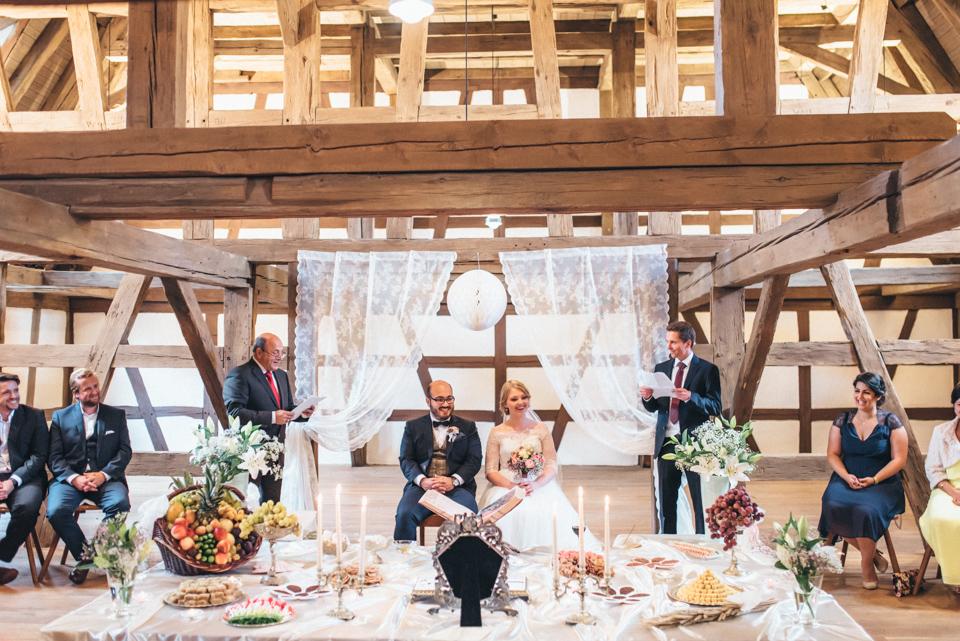 diy-wedding-bayern-136 Isabell & Tomaj Vintage DIY Hochzeit in Bayerndiy wedding bayern 136