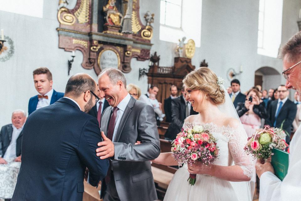 diy-wedding-bayern-58 Isabell & Tomaj Vintage DIY Hochzeit in Bayerndiy wedding bayern 58