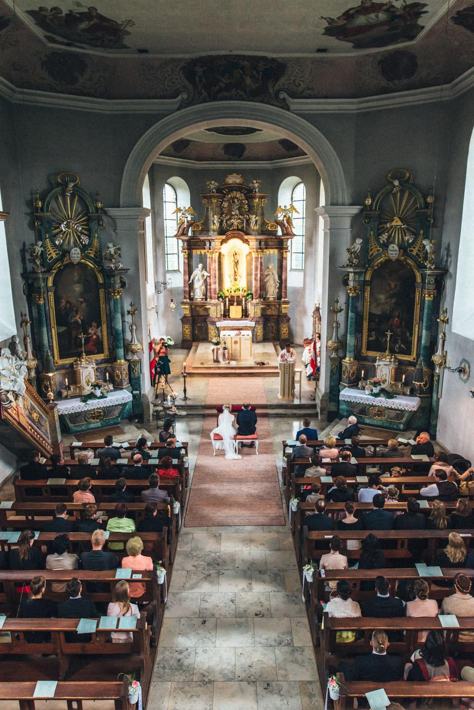 diy-wedding-bayern-74 Isabell & Tomaj Vintage DIY Hochzeit in Bayerndiy wedding bayern 74