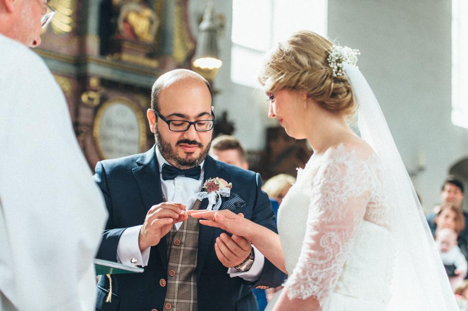 diy-wedding-bayern-79 Isabell & Tomaj Vintage DIY Hochzeit in Bayerndiy wedding bayern 79