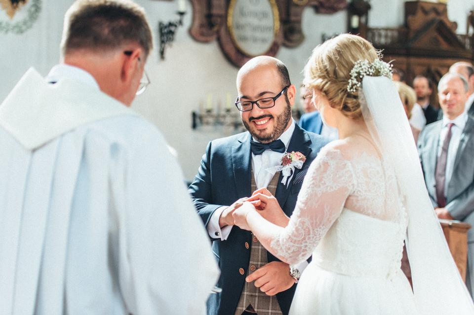 diy-wedding-bayern-80 Isabell & Tomaj Vintage DIY Hochzeit in Bayerndiy wedding bayern 80