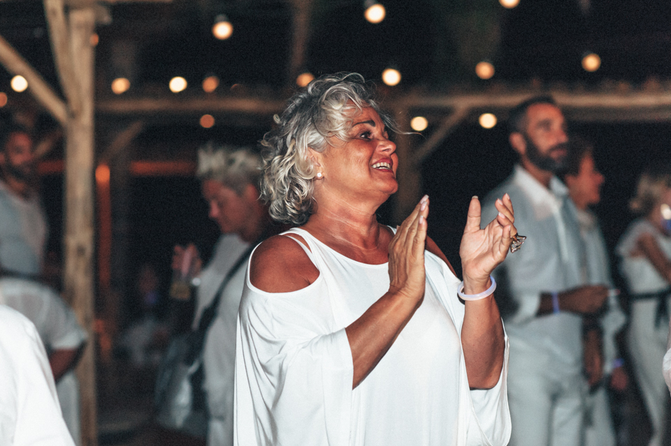 love-wins-beach-wedding-131 Ervin & Ian Love wins. Hochzeit auf Mykonos. Foto & Filmlove wins beach wedding 131