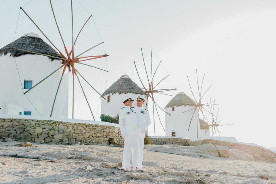 love-wins-beach-wedding-30 Ervin & Ian Love wins. Hochzeit auf Mykonos. Foto & Filmlove wins beach wedding 30