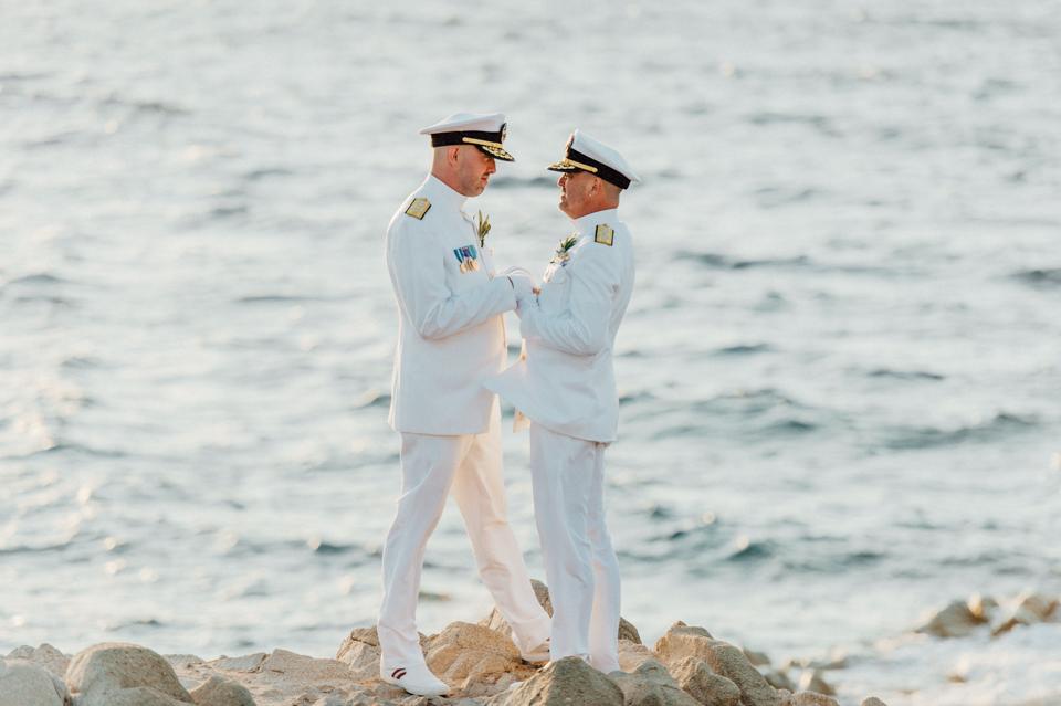 love-wins-beach-wedding-43 Ervin & Ian Love wins. Hochzeit auf Mykonos. Foto & Filmlove wins beach wedding 43