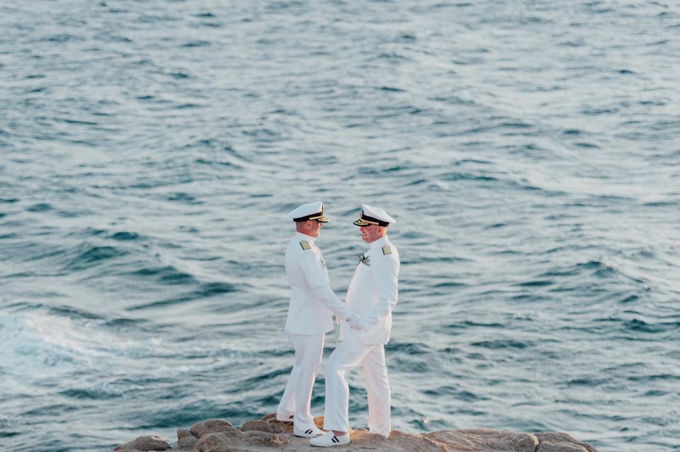 love-wins-beach-wedding-45 Ervin & Ian Love wins. Hochzeit auf Mykonos. Foto & Filmlove wins beach wedding 45