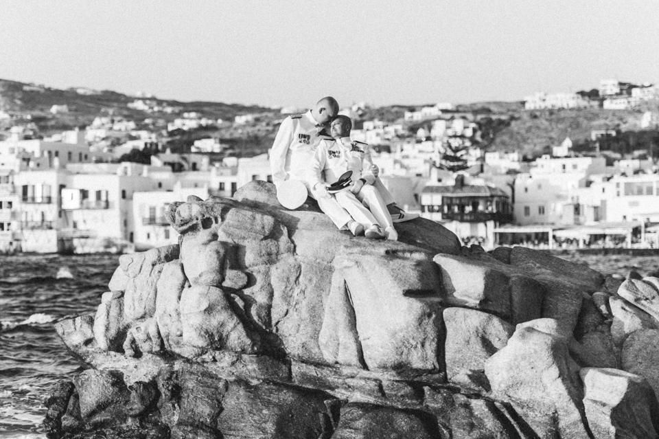 love-wins-beach-wedding-47 Ervin & Ian Love wins. Hochzeit auf Mykonos. Foto & Filmlove wins beach wedding 47