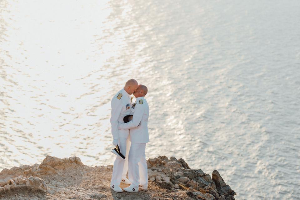love-wins-beach-wedding-58 Ervin & Ian Love wins. Hochzeit auf Mykonos. Foto & Filmlove wins beach wedding 58
