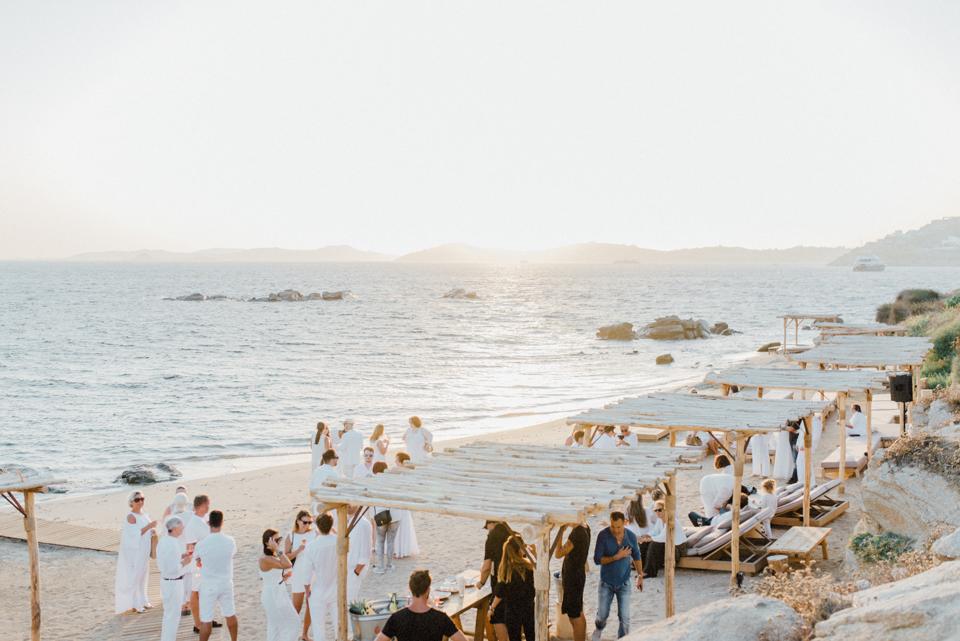 love-wins-beach-wedding-60 Ervin & Ian Love wins. Hochzeit auf Mykonos. Foto & Filmlove wins beach wedding 60