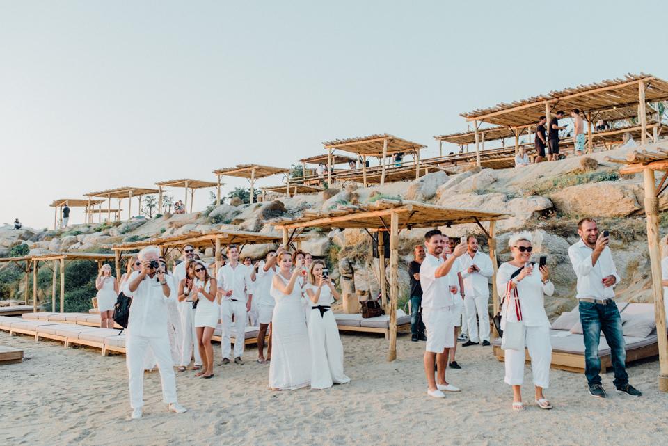 love-wins-beach-wedding-69 Ervin & Ian Love wins. Hochzeit auf Mykonos. Foto & Filmlove wins beach wedding 69
