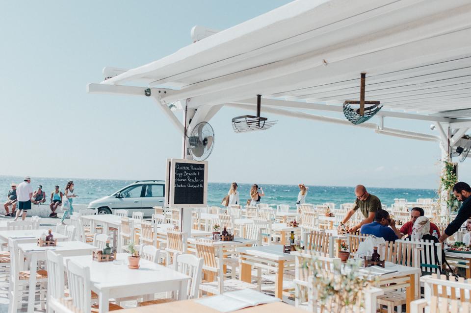love-wins-beach-wedding-7 Ervin & Ian Love wins. Hochzeit auf Mykonos. Foto & Filmlove wins beach wedding 7