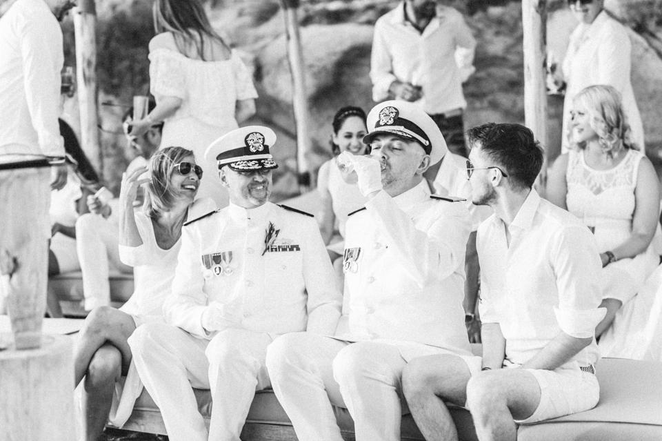 love-wins-beach-wedding-70 Ervin & Ian Love wins. Hochzeit auf Mykonos. Foto & Filmlove wins beach wedding 70
