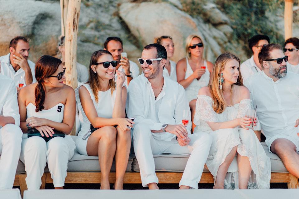 love-wins-beach-wedding-72 Ervin & Ian Love wins. Hochzeit auf Mykonos. Foto & Filmlove wins beach wedding 72