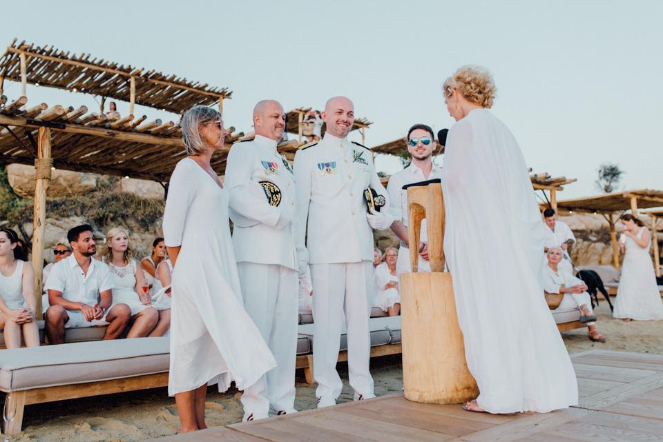 love-wins-beach-wedding-75 Ervin & Ian Love wins. Hochzeit auf Mykonos. Foto & Filmlove wins beach wedding 75