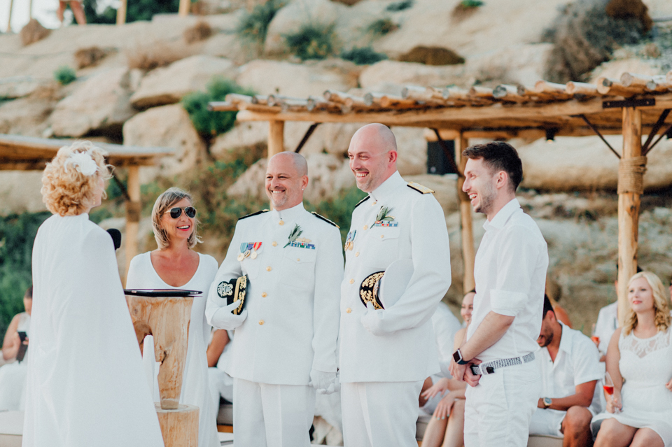 love-wins-beach-wedding-79 Ervin & Ian Love wins. Hochzeit auf Mykonos. Foto & Filmlove wins beach wedding 79