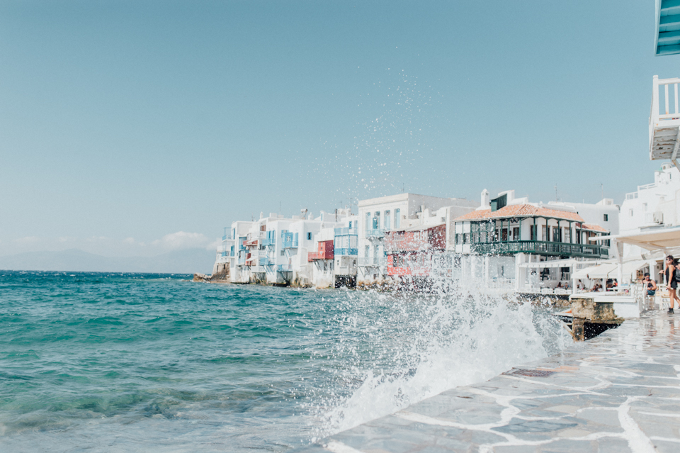love-wins-beach-wedding-8 Ervin & Ian Love wins. Hochzeit auf Mykonos. Foto & Filmlove wins beach wedding 8