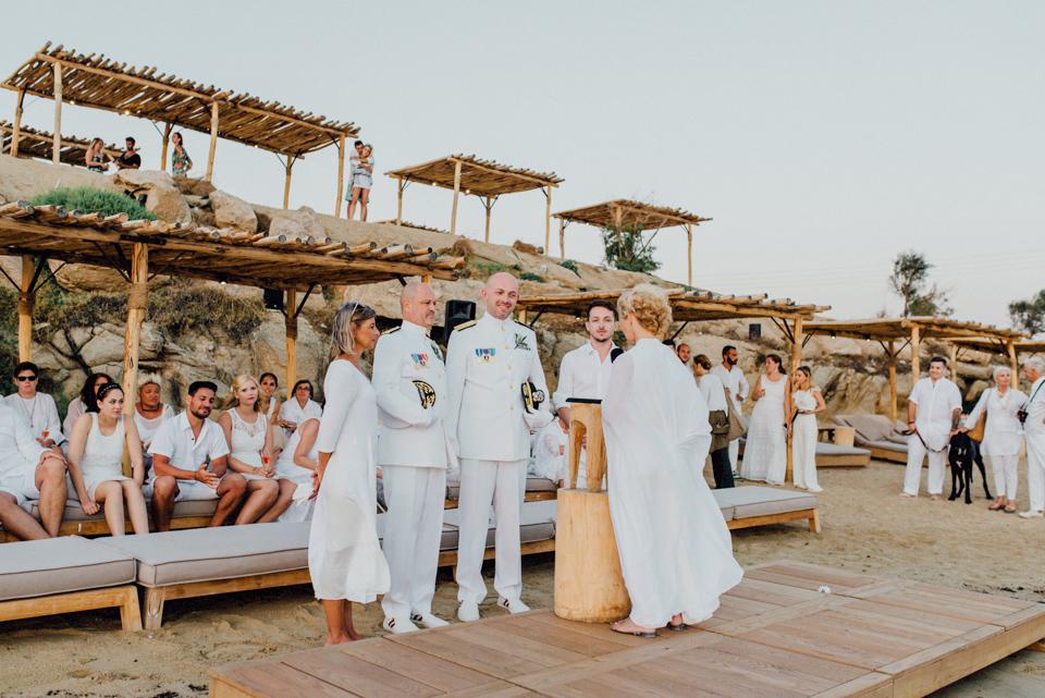 love-wins-beach-wedding-80 Ervin & Ian Love wins. Hochzeit auf Mykonos. Foto & Filmlove wins beach wedding 80