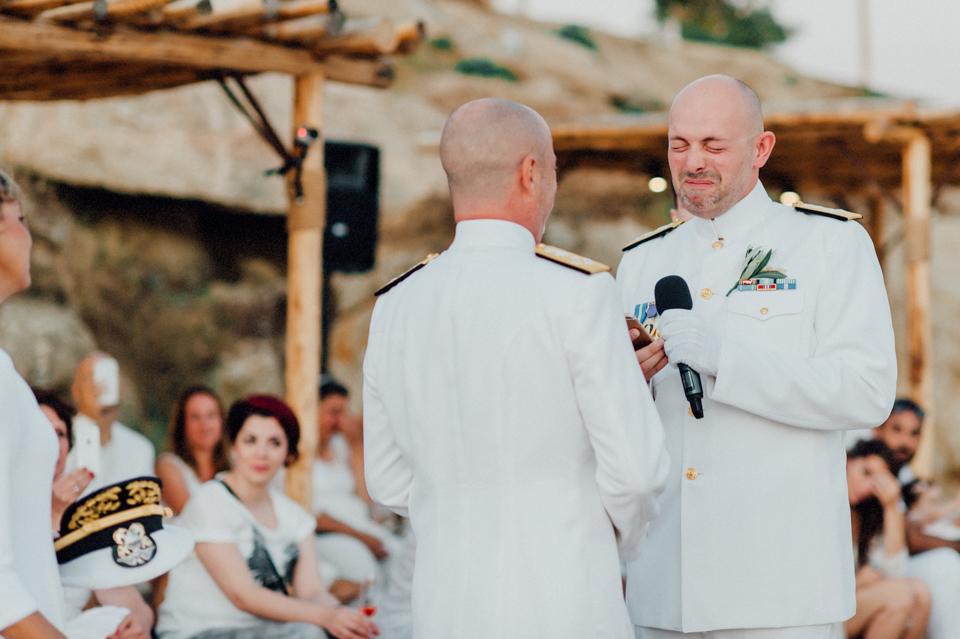 love-wins-beach-wedding-84 Ervin & Ian Love wins. Hochzeit auf Mykonos. Foto & Filmlove wins beach wedding 84
