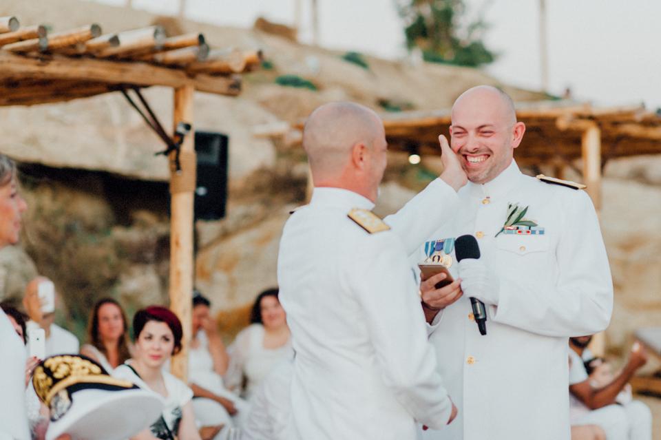 love-wins-beach-wedding-85 Ervin & Ian Love wins. Hochzeit auf Mykonos. Foto & Filmlove wins beach wedding 85