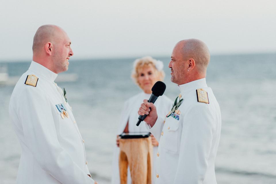 love-wins-beach-wedding-91 Ervin & Ian Love wins. Hochzeit auf Mykonos. Foto & Filmlove wins beach wedding 91