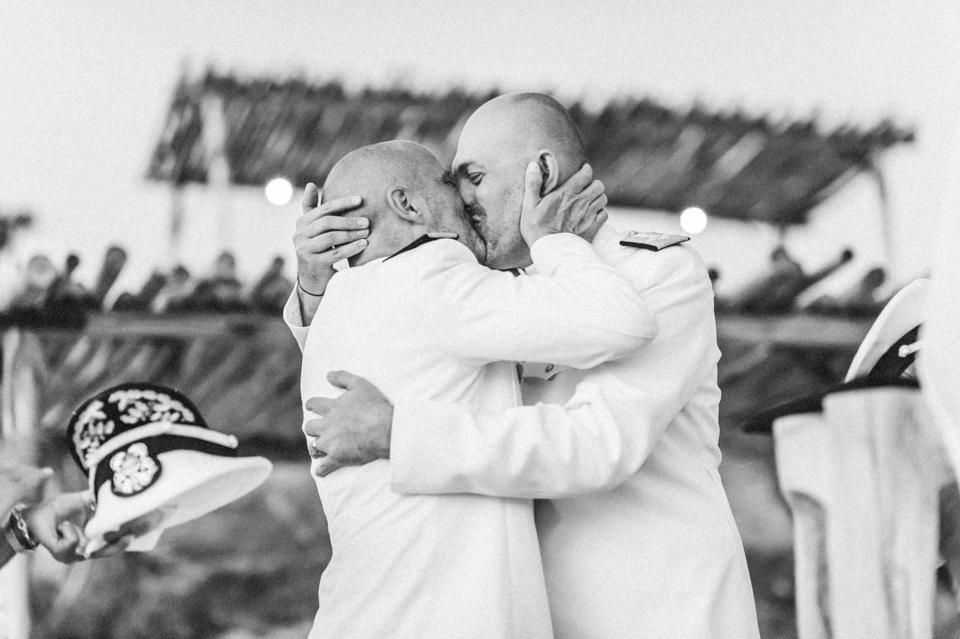 love-wins-beach-wedding-95 Ervin & Ian Love wins. Hochzeit auf Mykonos. Foto & Filmlove wins beach wedding 95