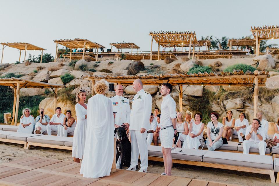 love-wins-beach-wedding-97 Ervin & Ian Love wins. Hochzeit auf Mykonos. Foto & Filmlove wins beach wedding 97
