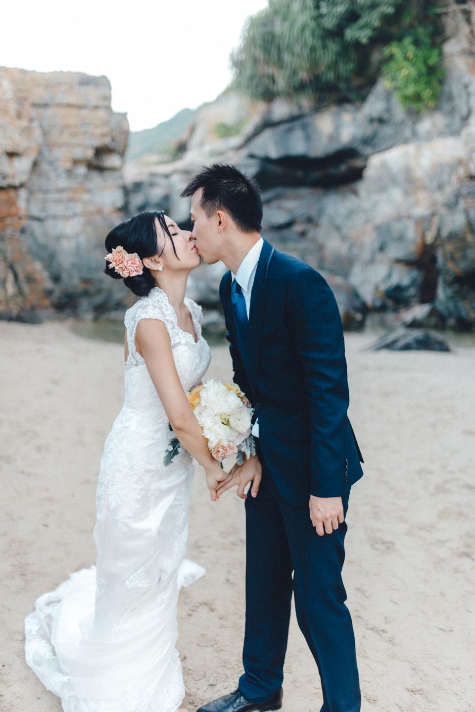 shooting-hongkong-beach-22 After Weddingshoot in HongKongshooting hongkong beach 22
