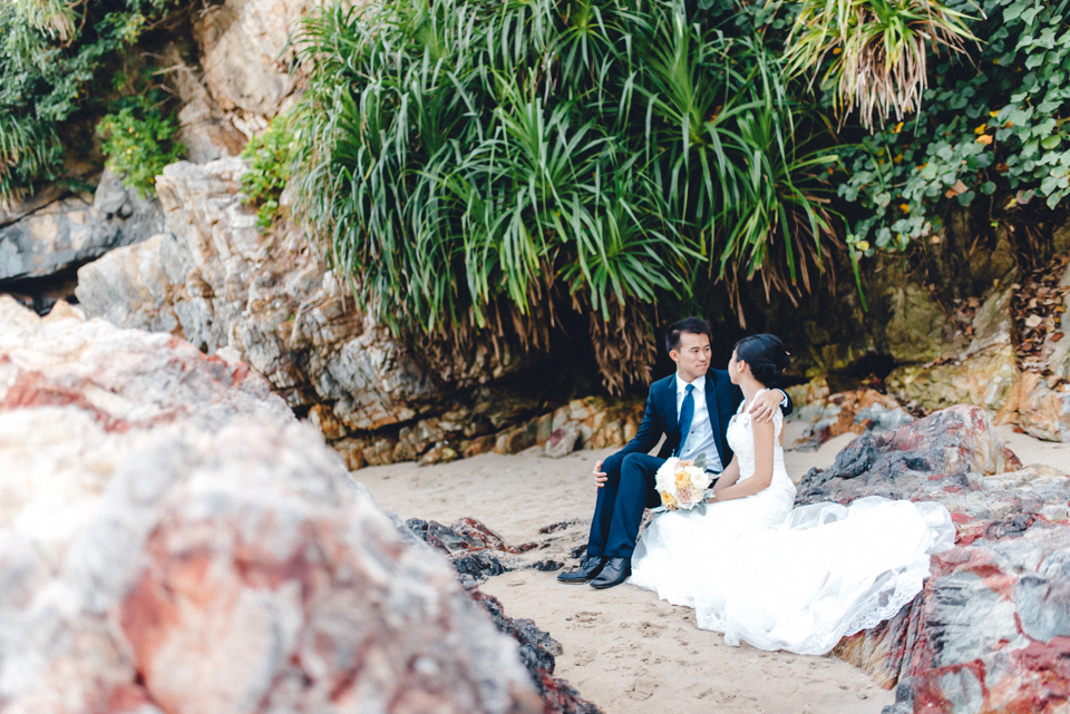 shooting-hongkong-beach-7 After Weddingshoot in HongKongshooting hongkong beach 7