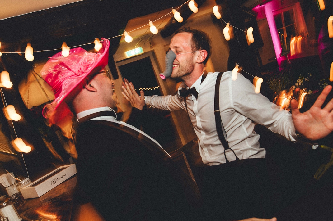 landhochzeit-heide-diy_0259 Hochzeitsfotograf Lüneburger heideChristiane & Lars Hochzeit auf dem Stimbekhof in der Lüneburgerheidelandhochzeit heide diy 0259